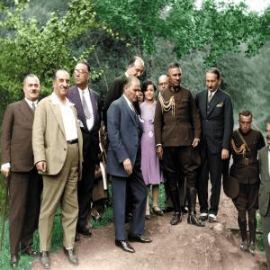 Renkli Halk İle Atatürk Posteri