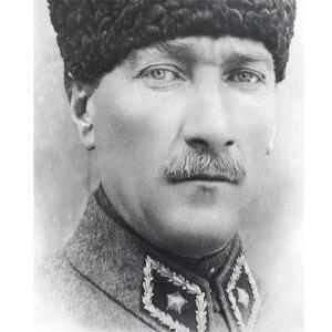 Üniformalı Atatürk Posteri